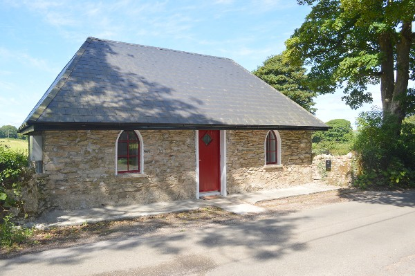 Cosy countryside lodge set in picturesque landscape for sale in Ireland